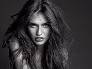 Icon Model. Bianca Balti per L'Oréal Paris